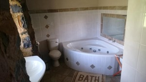 Ardmore Guest Farm - Bathroom
